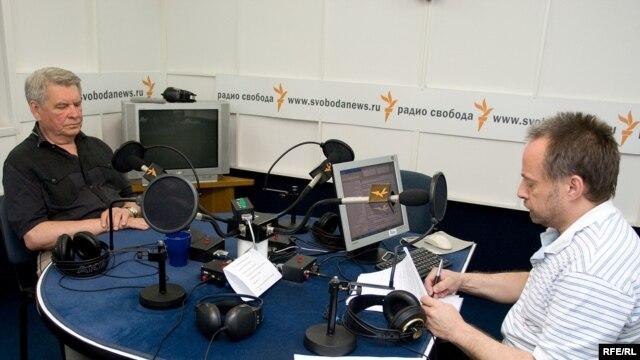 Юрий Афанасьев в студии Радио Свобода