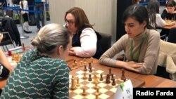 میترا حجازیپور (نفر اول از راست) در مسابقات جهانی مسکو؛ عکس اختصاصی رادیو فردا