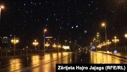 Празни улици во Скопје за време на полицискиот час поради коронавирусот
