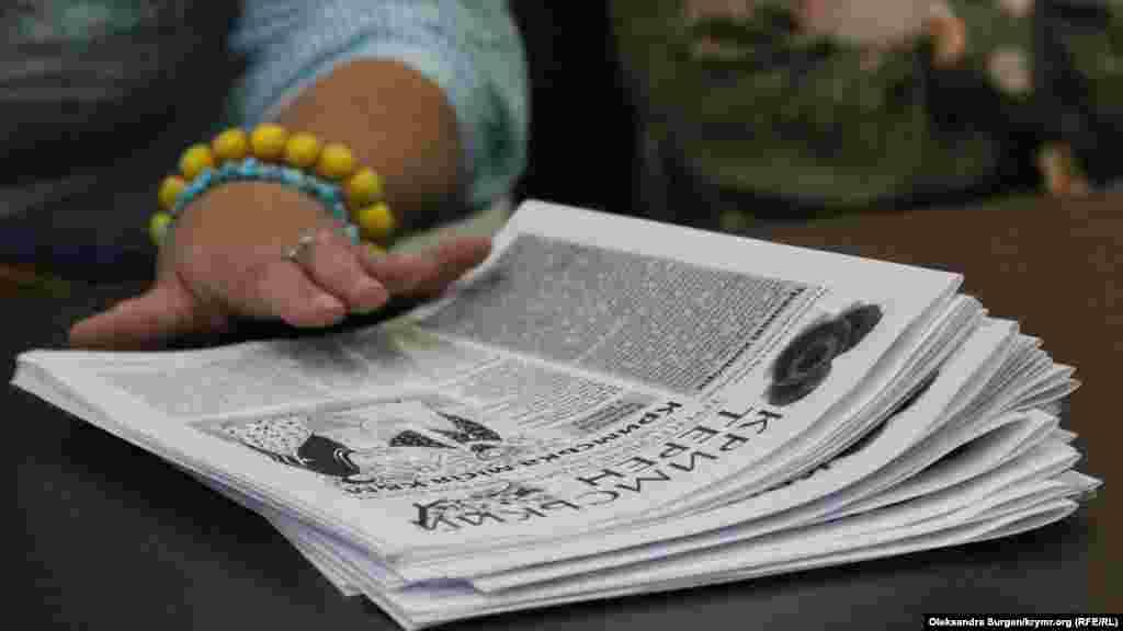 Свежий номер самоиздата «Кримський терен». Это единственная газета на украинском языке в Крыму сейчас. Ее выпуском занимаются активисты «Украинского культурного центра»