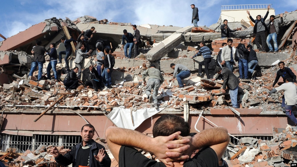 turkey earthquake izmit essay The 70-magnitude earthquake that struck near port-au-prince, the country's capital, was the largest to hit the region in more than 200 years an estimated 222,570 people were killed, 300,000.
