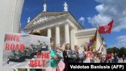 """Воссоздание """"Балтийского пути """" в Вильнюсе, август 2019 года"""