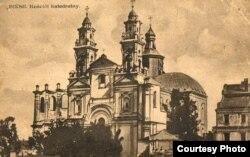Касьцёл Сьвятога Станіслава быў пэрлінай Пінску, але ў 1953 годзе яго разбурылі