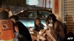Девушки, занятые в секс-индустрии в Камбодже