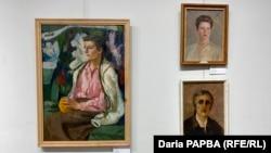 Верхняя справа – портрет Ф.Е.Фишковой (Борис Семенов)