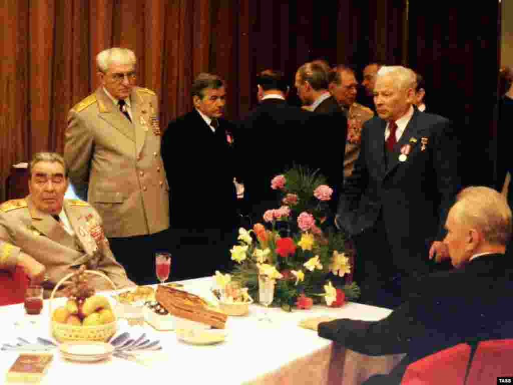 Russia – (from left to right) Soviet leader Leonid Brezhnev and Politburo members Yury Andropov, Michail Zimyanin, Konstantin Chernenko and Andrei Kosygin at Politburo relaxation room, May1975 - rob2007
