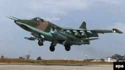 Российский военный самолет Су-25 в Сирии (архивное фото).