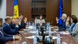 Guvernul Maiei Sandu s-a instalat în birourile din sediul Guvernului, unde vreme de o săptămână, apropiații lui Plahotniuc se baricadaseră