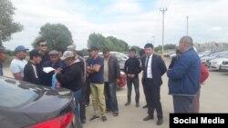 Мигранты, получившие свои документы обратно.