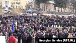 Сегодня 11-й день забастовки, а требования шахтеров те же: повышение зарплат и улучшение трудовых условий