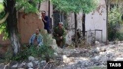 Эпизод уличных боев во время конфликта в Приднестровье, архивный снимок, июнь 1992 г.