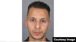 Париждегі террорлық шабуылдарды жасады деген күдікке ілінген Салах Абдеслам.