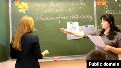 Kazandaky mekdepleriň birinde tatar dili sapagy