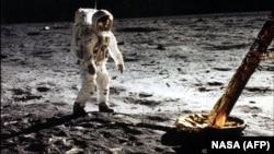 «Ապոլոն 11»-ից Էդվին «Բազ» Օլդրինը Լուսնի վրա, 20-ը հուլիսի, 1969թ․