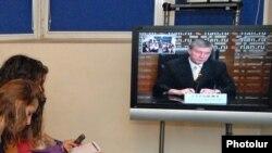 ՀԱՊԿ-ի գլխավոր քարտուղար Նիկոլայ Բորդյուժան հեռուստակամրջի միջոցով պատասխանում է լրագրողների հարցերին: