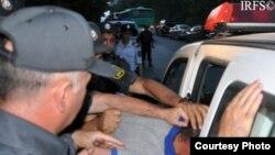 Rövşən Nəsirliyə qarşı polis zorakılığı