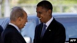Шимон Перес приветствует Барака Обаму в Иерусалиме