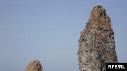 Скелі біля о. Ліпарі