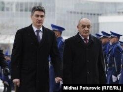 Hrvatski premijer Zoran Milanović i predsjedavajući Vijeća ministara BiH Vjekoslav Bevanda u Sarajevu 27. februara 2012.