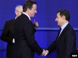 Kryeministri britanik, Dejvid Kameron, dhe presidenti francez, Nikolas Sarkozi. Bruksel, 9 dhjetor 2011