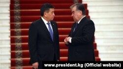 Президенты Кыргызстана и Таджикистана Сооронбай Жээнбеков и Эмомали Рахмон. Душанбе.