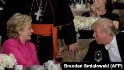 АҚШ президенттігіне кандидаттар Хиллари Клинтон мен Дональд Трамп. Нью-Йорк, 20 қазан 2016 жыл.