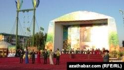 Празднования по случаю Дня дыни в городе Туркменабад. Август 2013 года.