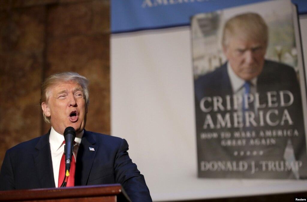 Дональд Трамп выступает во время презентации своей новой книги'Искалеченная Америка