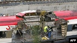 """Подозрения о том, что за взрывами 2004 года стояло некое """"соседнее государство"""", в Испании считаются запретной темой."""