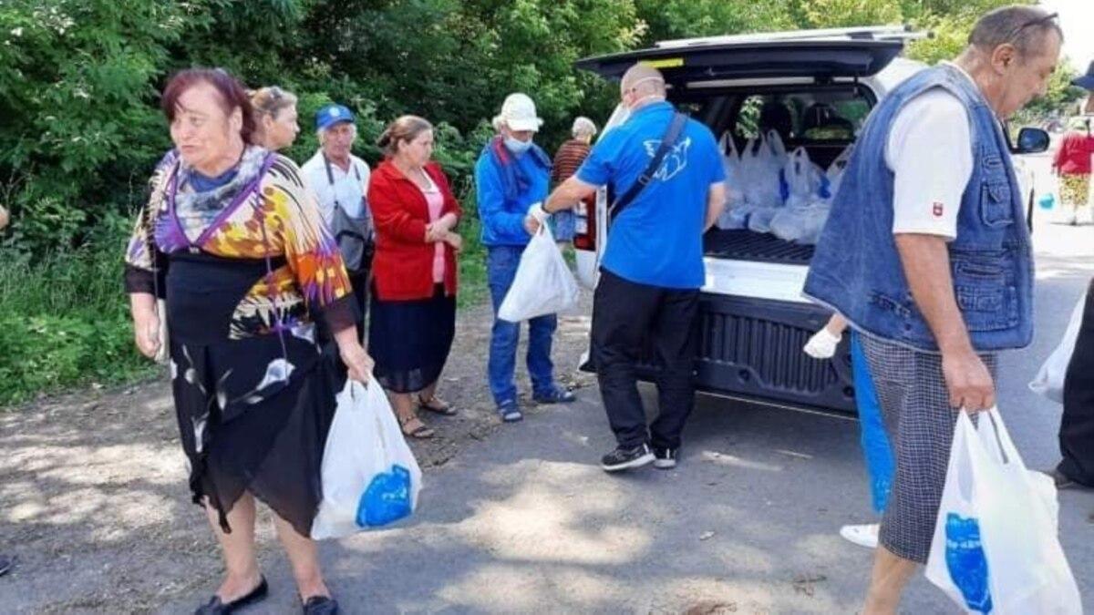 «Попали в плен»: граждане Украины уже трое суток кочуют между блокпостами