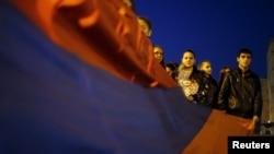 Լեռնային Ղարաբաղ - Շփման գծում մարտերում զոհվածների հիշատակին նվիրված արարողություն Ստեփանակերտում, 5-ը ապրիլի, 2016թ․