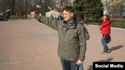 Антырасейскія акцыі ў Луганску, красавік 2014-га
