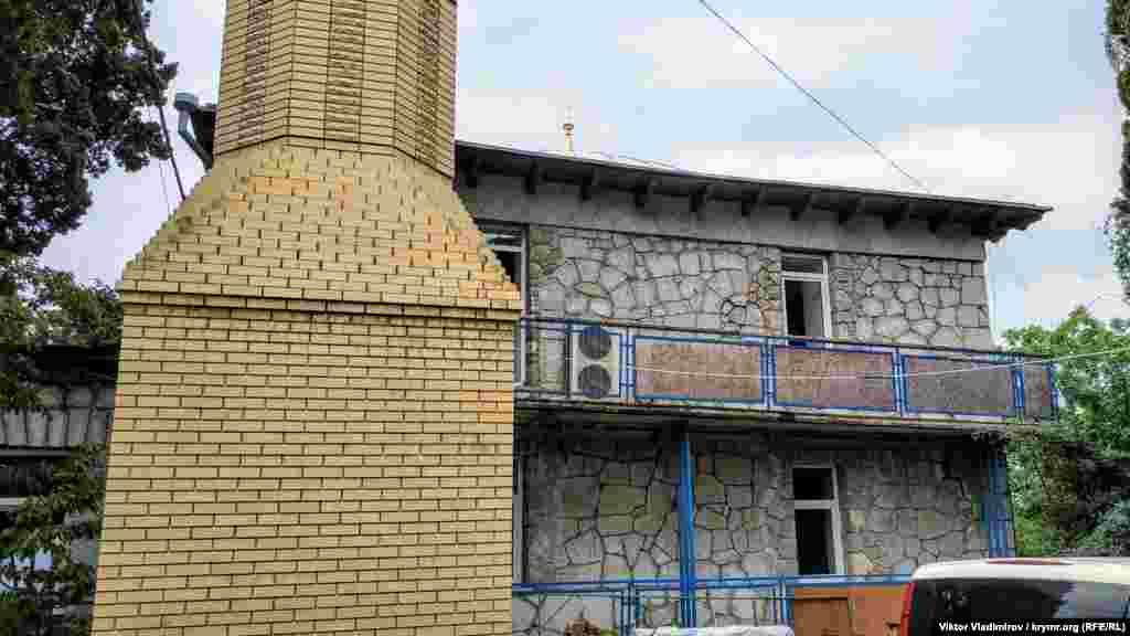 Через кілька років роботи з будівництва мінарету вдалося завершити, але в 1922 році його зруйнували