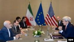 На снимке: участники очередного раунда переговоров по ядерной проблеме Ирана в Женеве