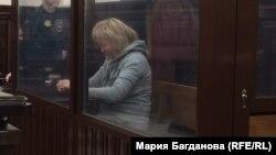Танзиля Комкова в зале суда