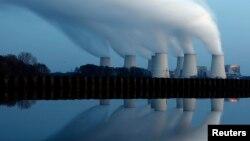 На угольных электростанциях вырабатывается более 40% всей электроэнергии мира