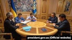 Președintele Ucrainei, Volodimir Zelenski, la o întâlnire cu șefii structurilor anticorupție