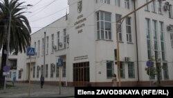 В настоящее время глава Национальный банк Абхазии проводит санацию Сбербанка, введена временная администрация