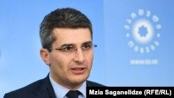 Лидер фракции «Грузинская мечта» Мамука Мдинарадзе сообщил, что удалось договориться с мажоритариями