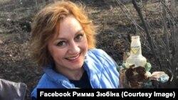 Акторка Римма Зюбіна збирає сміття