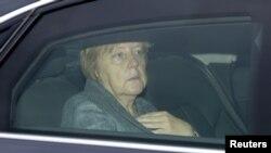 Ləğv olunan matça kansler Merkel də tamaşa etməli idi