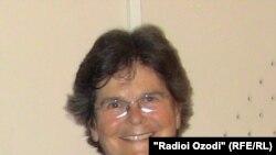 Рут Дрейфус, раиси Кумиссюни байнулмилалии зидди ҳукми қатл, президенти пешини Швейтсария дар дафтари Радиои Озодӣ дар шаҳри Душанбе, 19-уми майи соли 2011.