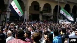 Антиправительственная демонстрация в предместьях Дамаска