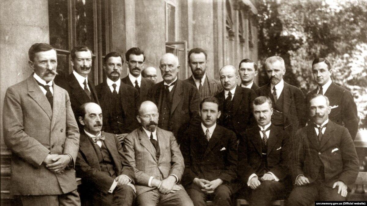 Коррупция сто лет назад: как обворовывали армию УНР и к чему это привело