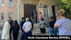 Очередь при сдаче теста на коронавирус в Абхазии
