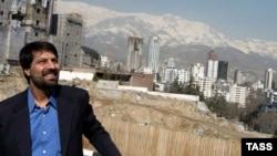 آقای باقی به اتهام « ادامه فعاليت های خود در خصوص توهين به مقامات و تبليغ عليه نظام و اقدام عليه امنيت ملی» بازداشت شد.