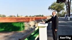 İlham Əliyev Mingəçevirdə texnoloji parkın açılışını edir