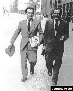 Василь Клочурак (праворуч)
