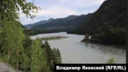 Долина Катуни. Горный Алтай. Чемальский район