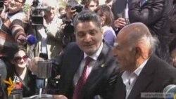 Վետերանները ճաշեցին վարչապետի եւ ԱԺ նախագահի հետ